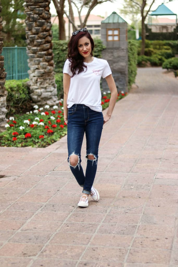 Want the best jeans that won't break the bank? Save this post! Philadelphia style blogger, Erica from Coming Up Roses shares a list of the best jeans under $100!