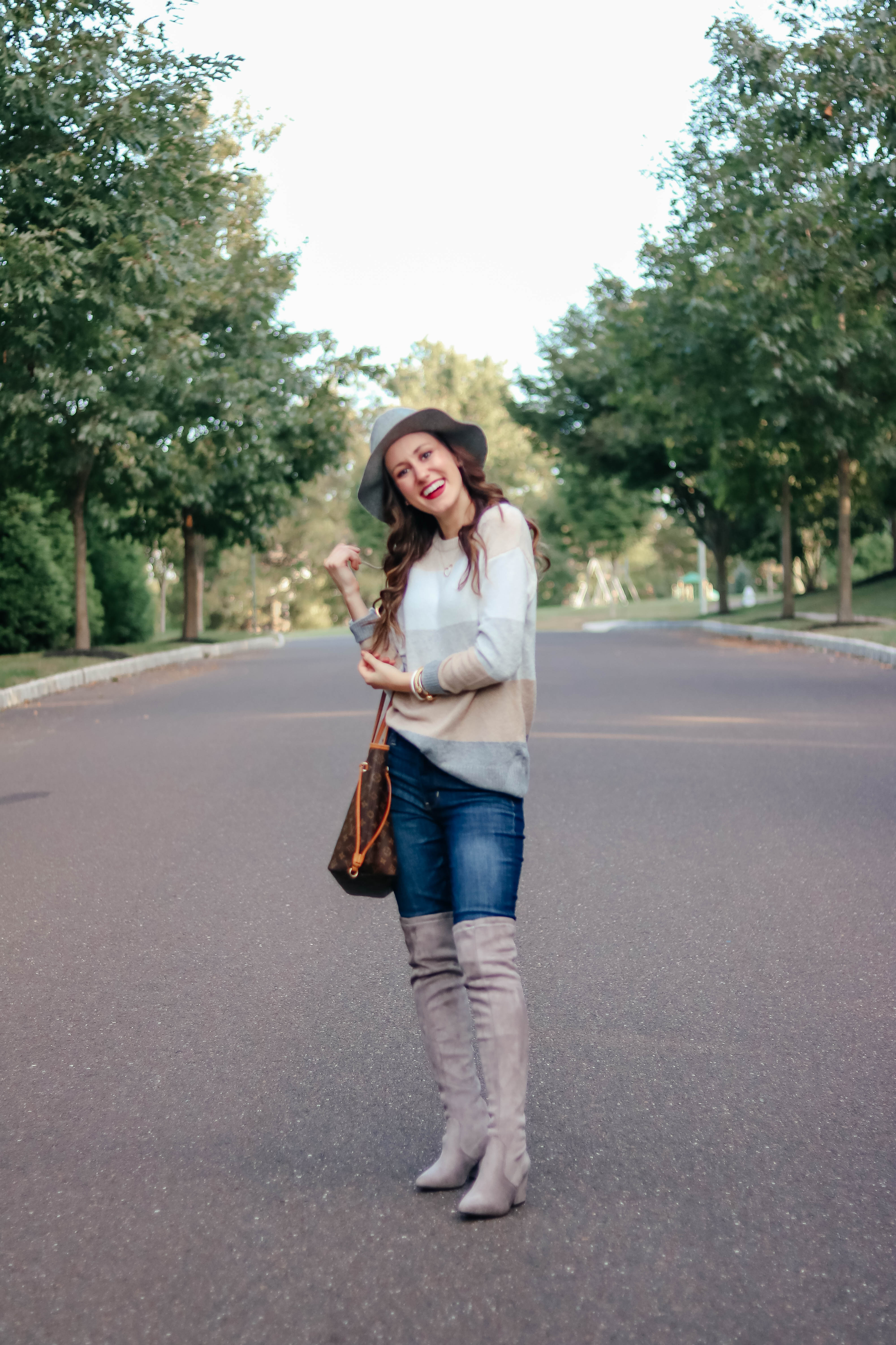 The $12 Sweater that feels like Cashmere - This $12 striped pullover sweater is INCREDIBLE and WILL sell out, so treat yo'self ASAP! - Easy, affordable fall fashion on Coming Up Roses