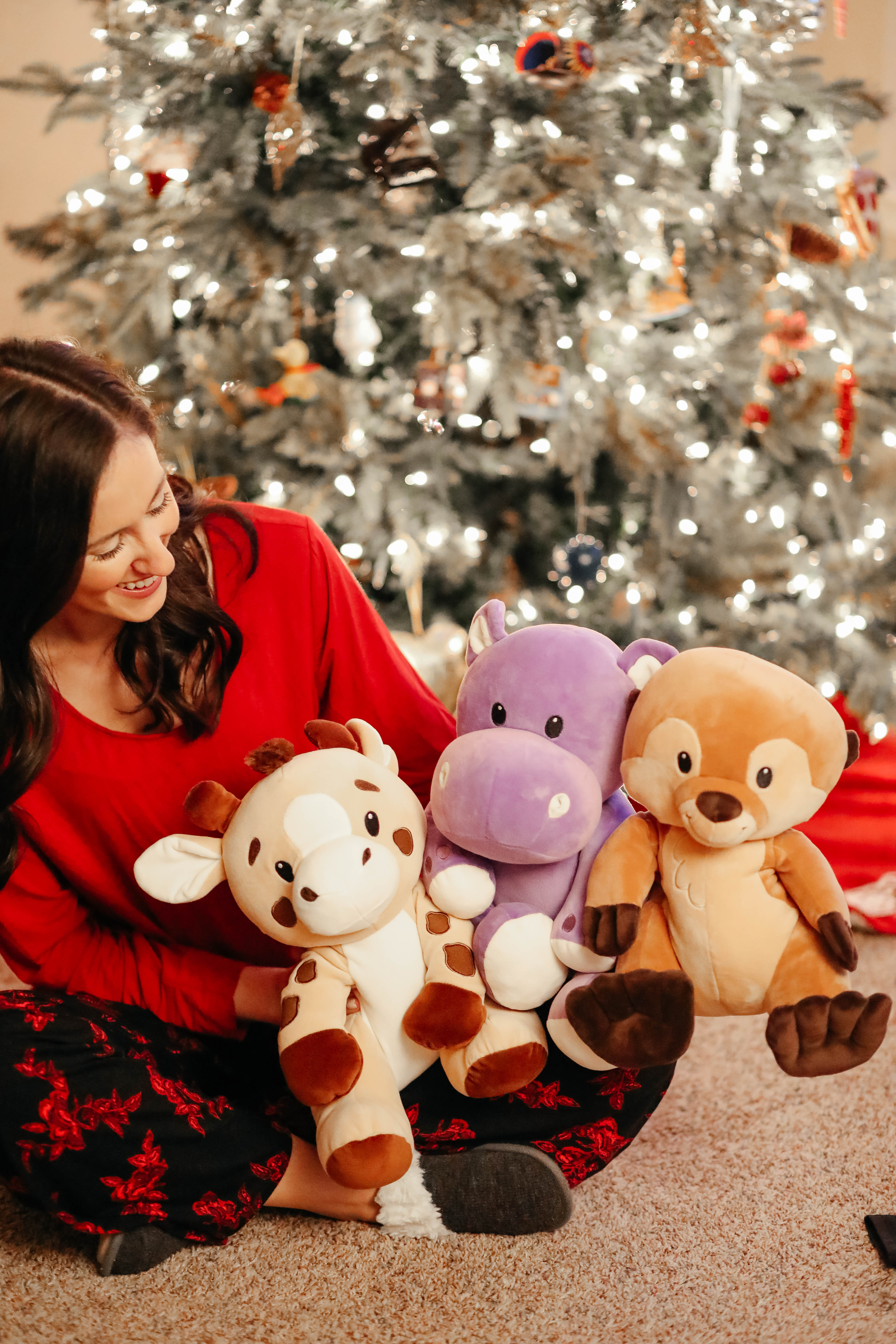 Huggable stuffed animals for kids - Cool Sh*t I Lovelovelove - MONTHLY FAVORITES on Coming Up Roses, where everything is a giftable!